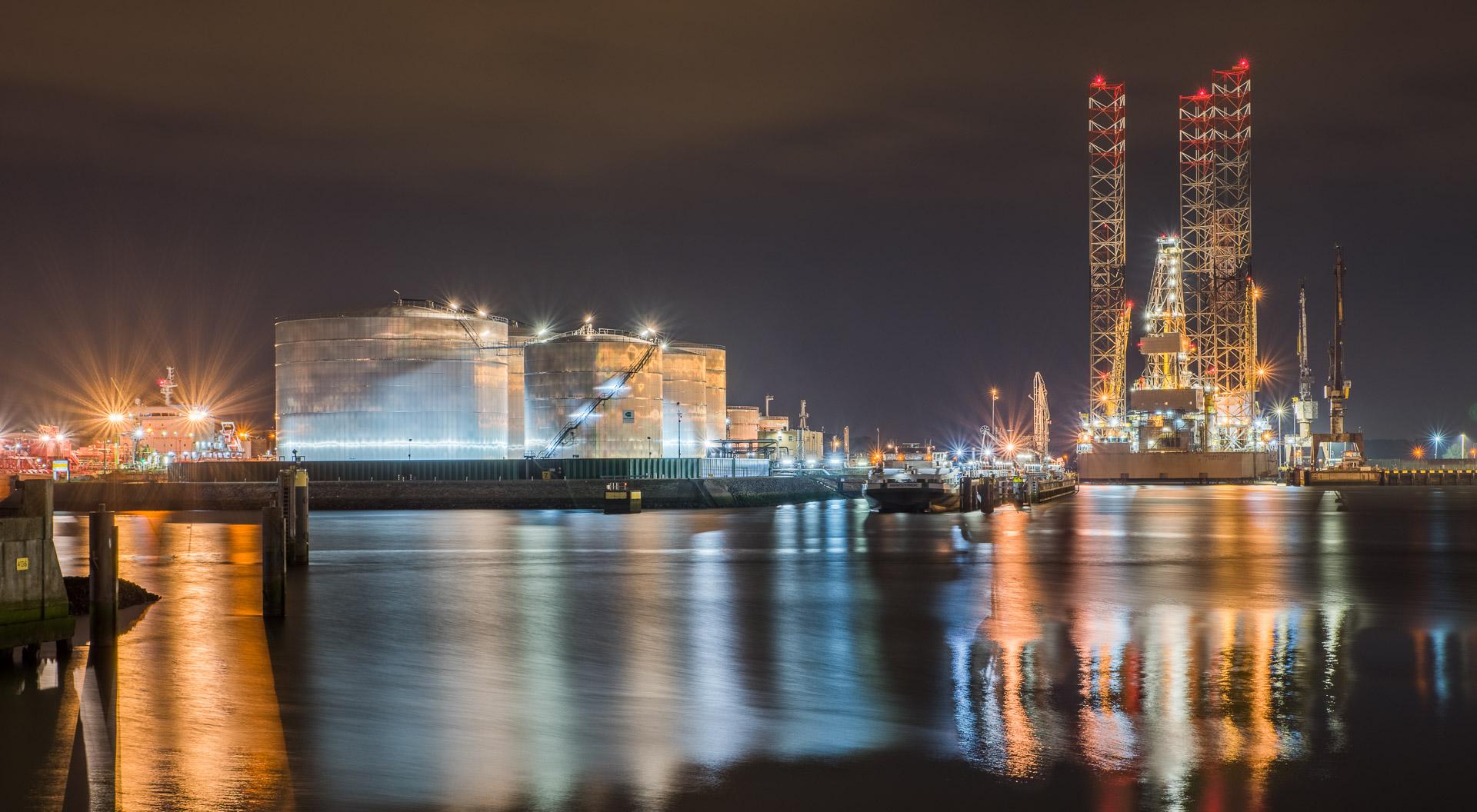 harbor-by-night-slider