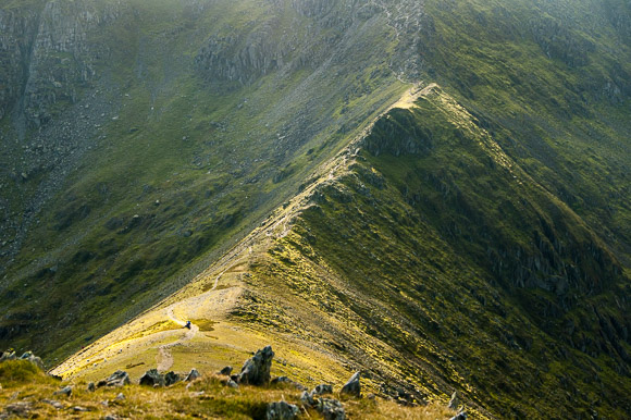 Swirral Edge, de ridge die Catstye Cam met Helvellyn verbindt